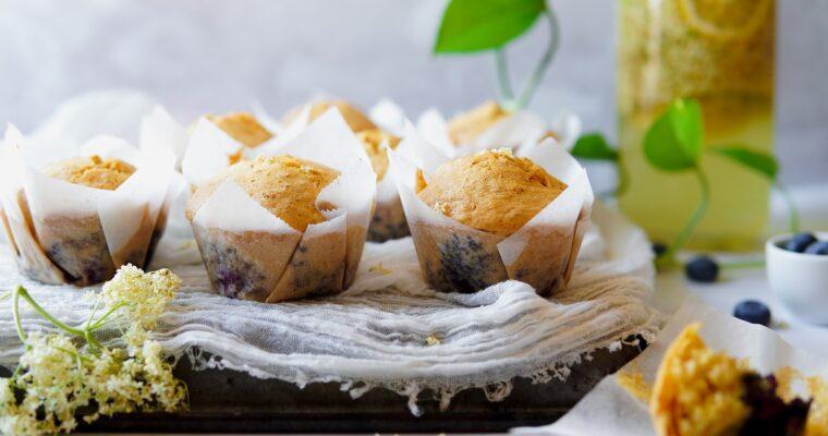 Muffin ai fiori di sambuco e mirtilli – senza glutine